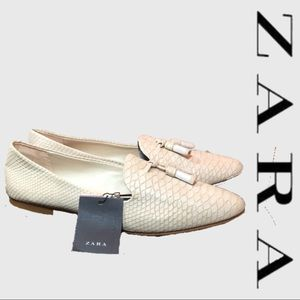 NWT Zara Snakeskin Cream Loafers